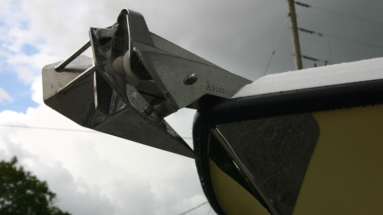 New 2550 windlass install